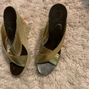 bbdf0cb7f Tory Burch Gold Leather Strap Wedge Sandals 9